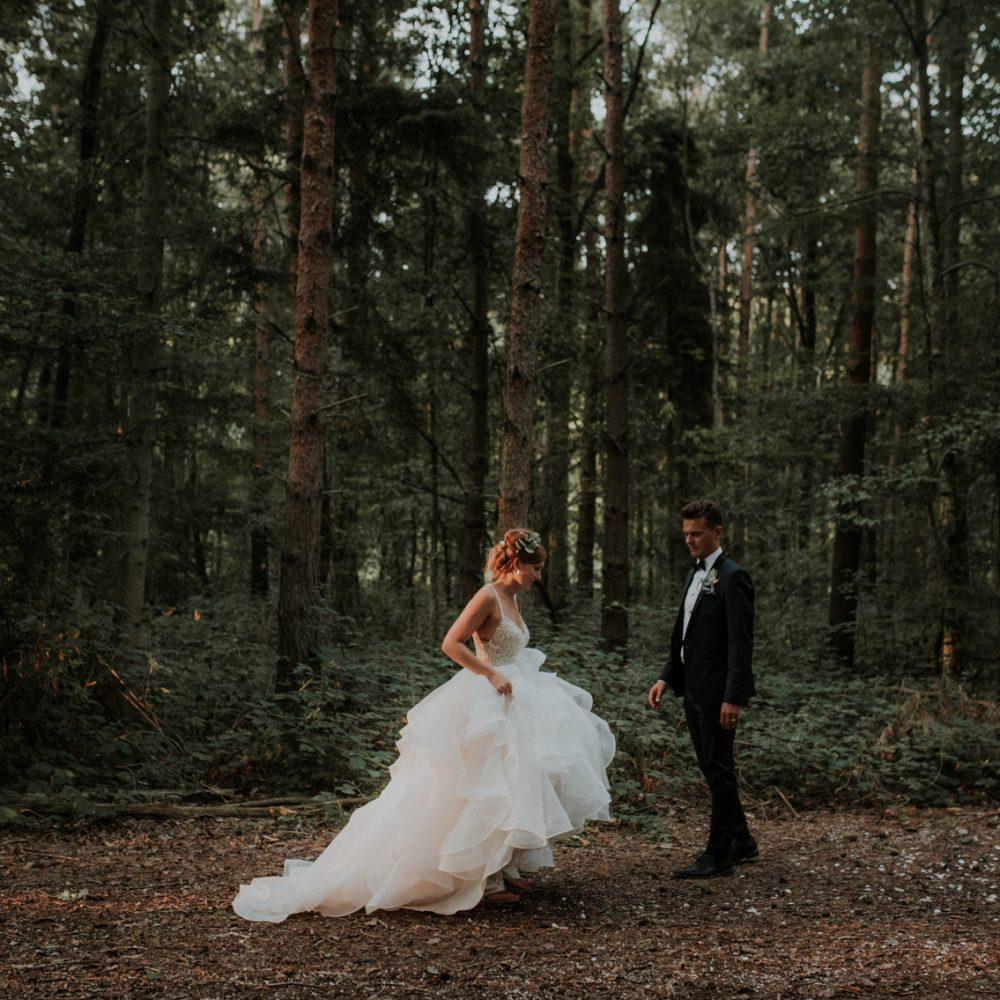 Fun + Romantic Wedding at Captains Wood Barn Essex – Frances + Mike